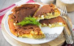 заливной пирог с рыбными консервами на сковороде