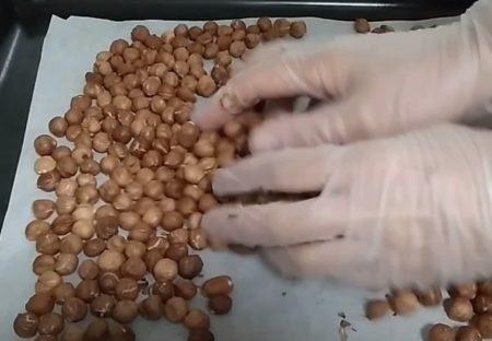 просушиваем орехи